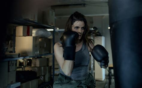 Absentia season 3: New photos of Stana Katic in action!
