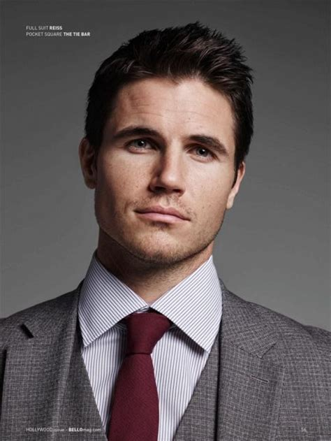 Robbie Amell net worth! – How rich is Robbie Amell?