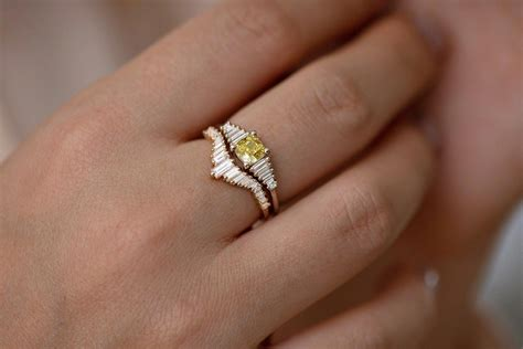 14K Gold Engagement Ring with Oval Moissanite, Diamond